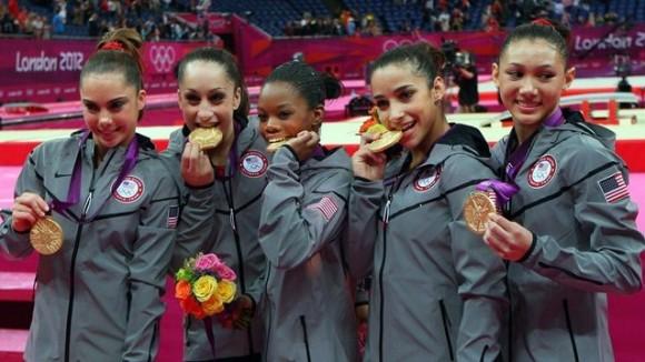 El equipo femenino de Estados Unidos se llevó el oro en la gimnasia artística