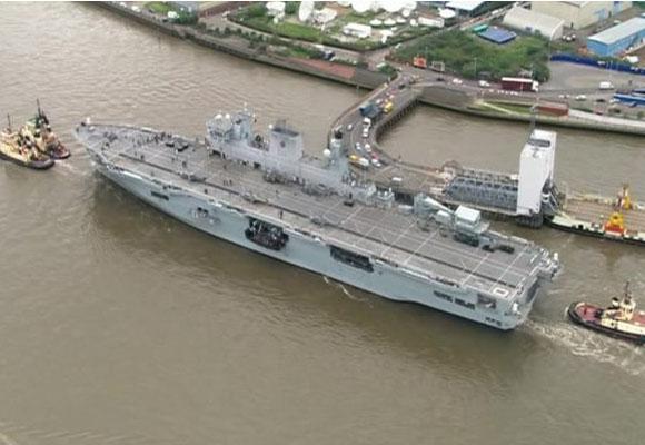 """El HM Ocean, un barco de guerra con """"capacidad de respuesta"""" desde el río Thames"""