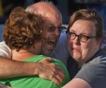 Los familiares de las víctimas. Foto: Huffington Post