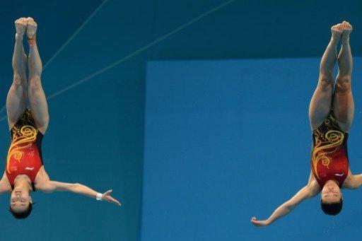 Las chinas Wu Minxia y He Zi ratificaron el dominio de ese país en el trampolín sincronizado femenino a 3 metros