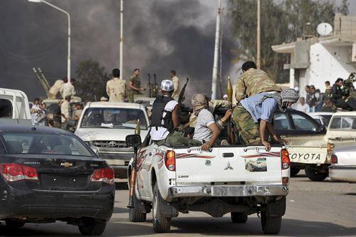 Libia vota en medio del caos y la violencia.