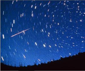 Lluvia de estrellas al amanecer del domingo: 100 meteoritos por hora