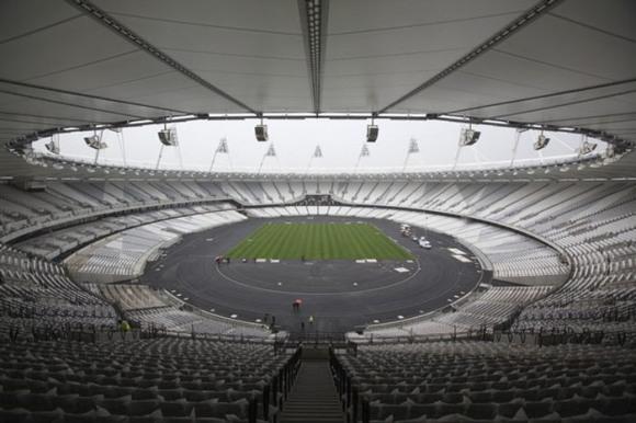 El Estadio Olímpico cuenta con una tarima superior de 55.000 asientos que será removida en el otoño de 2012, dejando únicamente los 25.000 asientos inferiores de manera permanente.