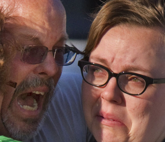 Familiares de las víctimas. Foto: Los Angeles Times