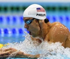 El nadador estadounidense Michael Phelps avanzó a la final de 400 metros combinado con el peor tiempo. Foto: El Universal