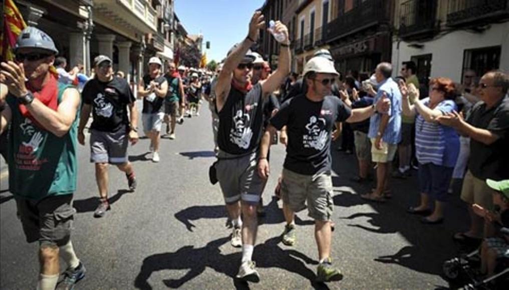 Alcalá de Henares recibe a los mineros con consignas de apoyo