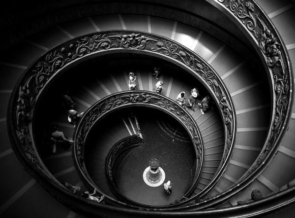 Caída en espiral. Foto: © Syaza Mohammed Shakharulain/Concurso de Fotografía Nacional Geographic