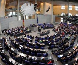 Vista general de la sesión del Bundestag (la cámara baja alemana) en Berlín. EFE/Archivo