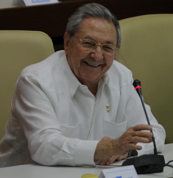 El presidente de los Consejos de Estado y de Ministros, General de Ejército Raúl Castro, durante la última jornada en la Asamblea Nacional. Foto: Ismael Francisco/Cubadebate