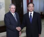 Raúl y Wen Jiabao. Foto: Xinhua