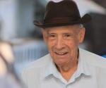 El rodaje en La Habana de Esther en alguna parte que, dirigida por Gerardo Chijona, devolvió al cine de la Isla al primer actor Reynaldo Miravalles; tras unas dos décadas de ausencia.