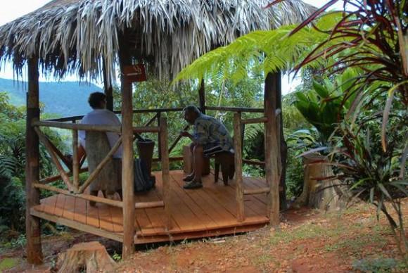 El salto del Guayabo, enclavado en la meseta de Pinares de Mayarí, en la provincia de Holguín, Cuba, comercializado por la agencia de turismo Ecotur, constituye una atractiva oferta turística en los meses de verano. 17 de julio de 2012. AIN FOTO/Juan Pablo CARRERAS