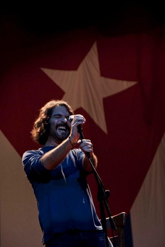 Santiago Feliú en concierto. Foto: Iván Pascual/Cubadebate