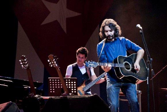 Santiago Feliú en concierto. Foto: Iván Soca/Cubadebate