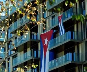 villa-olimpica-bandera-cubana-foto-marcelino-vazquez-ain
