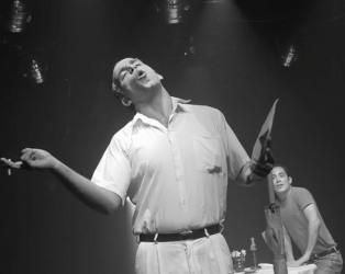 Puesta en escena de la obra por el Pequeño Teatro de La Habana. Foto: Otmaro Rodríguez Díaz.