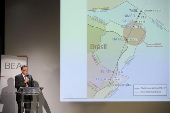 """El director de la Oficina de Investigación y Análisis (BEA), Jean Paul Troadec, quien destacó el carácter """"excepcional"""" de la investigación de las causas del accidente del vuelo AF447 de la compañía Air France."""