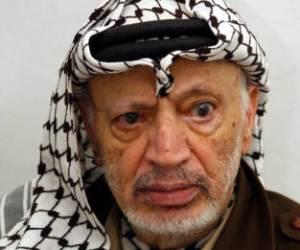 Dan luz verde a exhumación de restos de Yasser Arafat