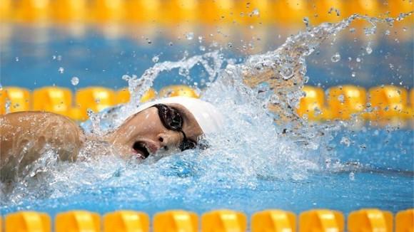 La fenomenal nadadora china Ye Shiwen retornó a la piscina para encabezar fácilmente la eliminatoria de los 200 metros combinados