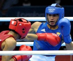 El cubano Robeisy Ramírez aseguró la segunda medalla de plata al imponerse en la semifinal de los 52 kilogramos