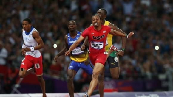 Aries Merrit llega primero a la meta y se consagra Campeón Olímpico en los 110 metros con vallas