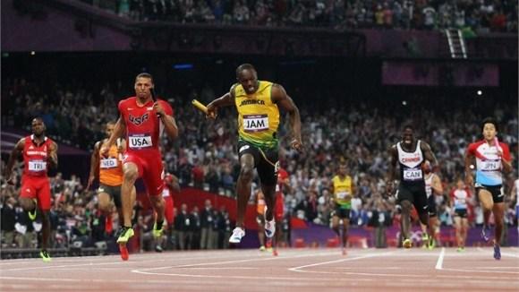 Usain Bolt llega a la meta
