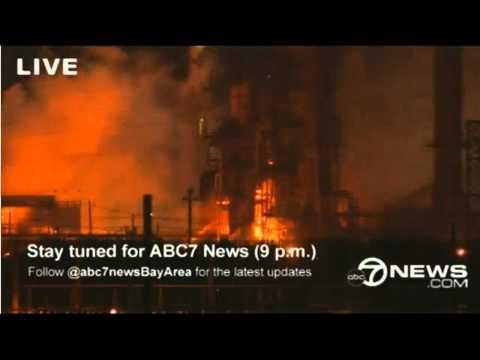 El 7 de agosto de este año en Richmond, California, se produjeron fuertes explosiones y se desataron dos incendios, en la refinería más grande de Chevron, en su planta de crudo número 4, cuando un equipo de inspección descubrió una fuga creciente.
