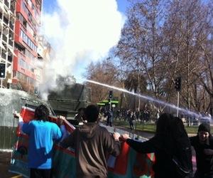 Violentos disturbios en aniversario de golpe de Pinochet