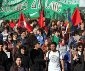 Juventud denuncia agresión a sede del Partido Comunista de Chile