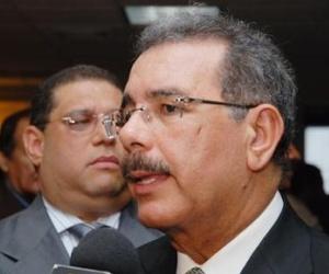 Presidente dominicano le desea pronto recuperación a Chávez