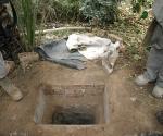 Namiq luego hizo un hueco -un pequeño búnker subterráneo - en una parcela de tierra en su granja, donde Saddam se escondió antes de ser capturado en diciembre de 2003.