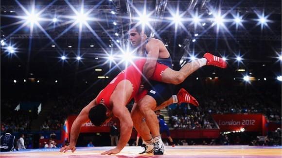 Ghalamreza Ghasem Rezai de Irán, Campeón Olímpico en los 96 kg de la Lucha Grecorromana