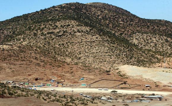 Montañas aledañas al desierto Ogaden en Etiopia. Foto: Ismael Francisco/Cubadebate.