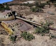 Tanques de Guerra undidos en las arenas del desierto Ogaden. Foto: Ismael Francisco/Cubadebate.