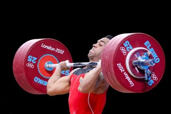 Iván Cámbar gana una medalla de bronce. Foto: Getty Images