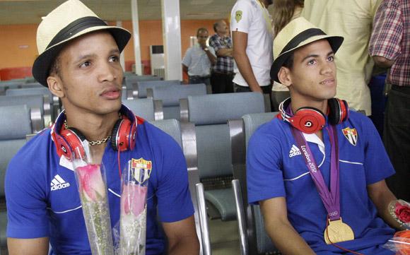 En la Habana los campeones Olimpicos de Boxeo Roniel Iglesias y Robeisis Ramirez. Foto : Ismael Francisco/Cubadebate.