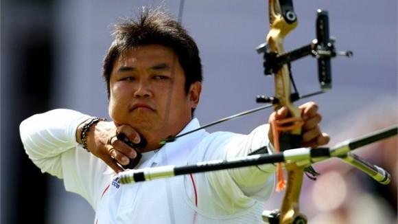 Oh Jin Hyek acabó con la larga espera coreana en la arquería olímpica individual masculina y se colgó el oro en Londres