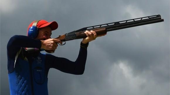 El británico Peter Wilsón se proclamó Campeón Olímpico en el Foso del Tiro Deportivo