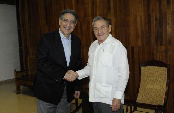 Raul Castro Meets with Brazilian Foreign Minister