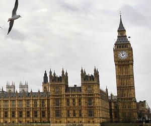 Reino Unido construirá escuela para homosexuales