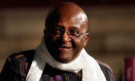Desmond Tutu: sacado de un seminario en el que Tony Blair tenía previsto asistir. Fotografía: Str / REUTERS