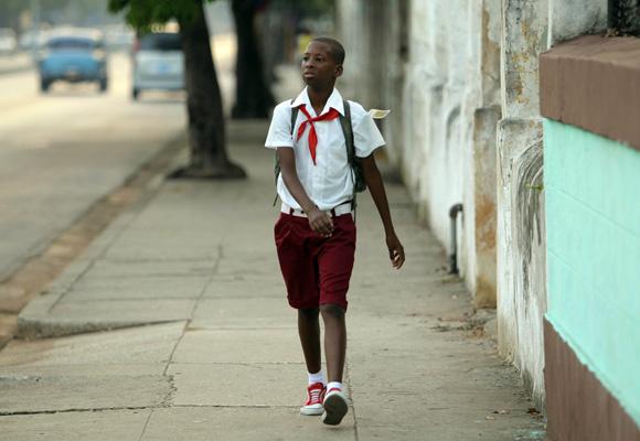 Ya voy solo a clases. Foto: Ismael Francisco/Cubadebate