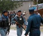 La policía afgana llega al lugar de un atentado suicida en Kabul, el 8 de septiembre de 2012. REUTERS/Omar Sobhani