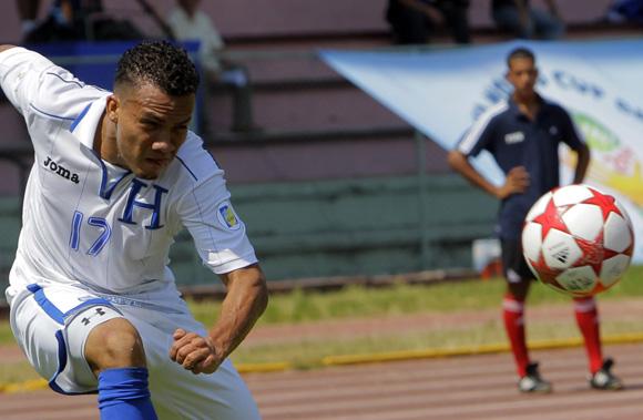 Derrota Honduras a Cuba en eliminatorias mundialistas de Futbol, en el Estadio Pedro Marrero de la Habana. Foto: Ismael Francisco/Cubadebate.