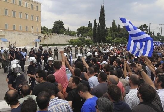 Grecia contra nuevos recortes