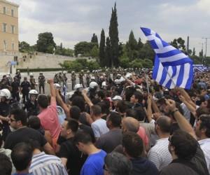 Oleada de huelgas en Grecia por nuevos recortes salariales