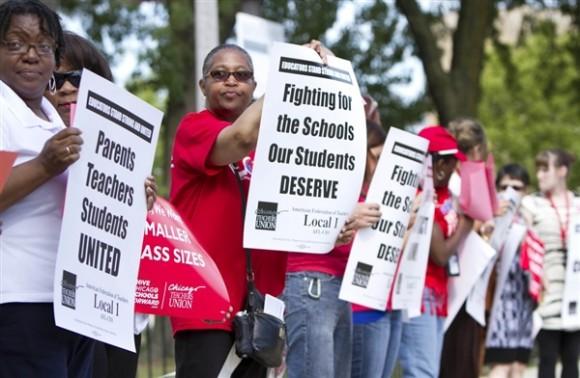 Huelga de maestros en Chicago. Foto: Sitthixay Ditthavong / AP