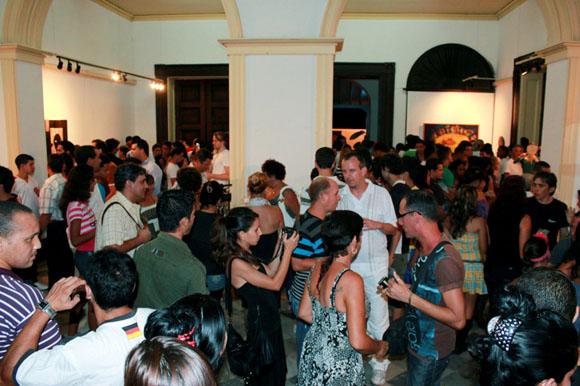 El público atestó la galería. Foto: Daniel Salas.