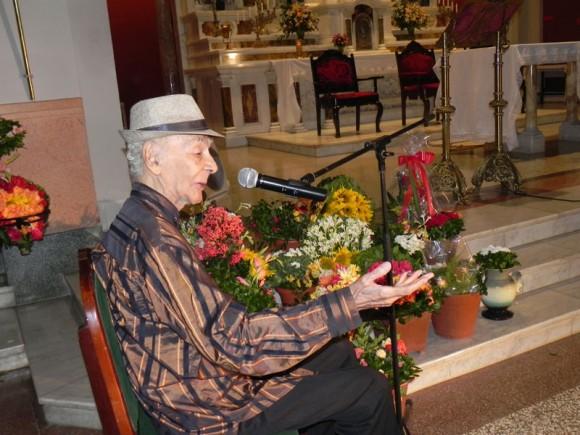 Luis Carbonell declamó versos a la Patrona de Cuba