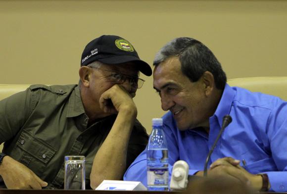 Ricardo Tellez, Mauricio Jaramillo, Andrés París y otros integrantes de la guerrilla colombiana, ofrecen rueda de prensa en la Habana. Foto: Ismael Francisco/Cubadebate.